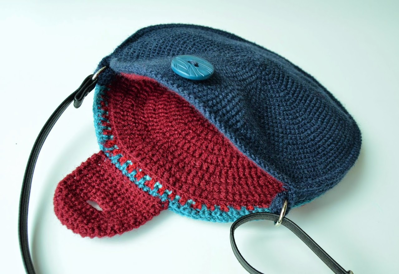 crocheted lining for a bag