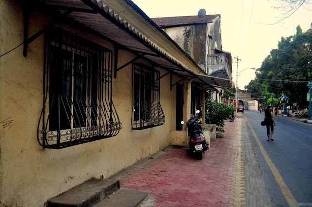 Daman things to do travel guide old town lanes
