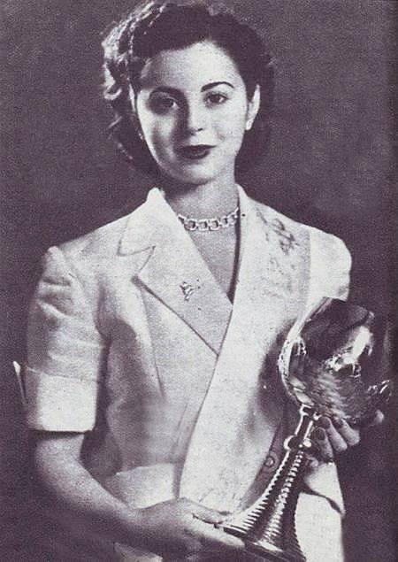 """"""" ليلى تبريز توما """" أول ملكة جمال في سوريا لعام 1952"""