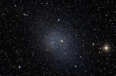 Materia oscura dimensioni e conformazione: dati telescopio Hubble