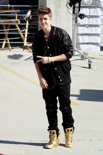 2014 Celebrity Pictures The Supra Muska Skytop 2 Lil