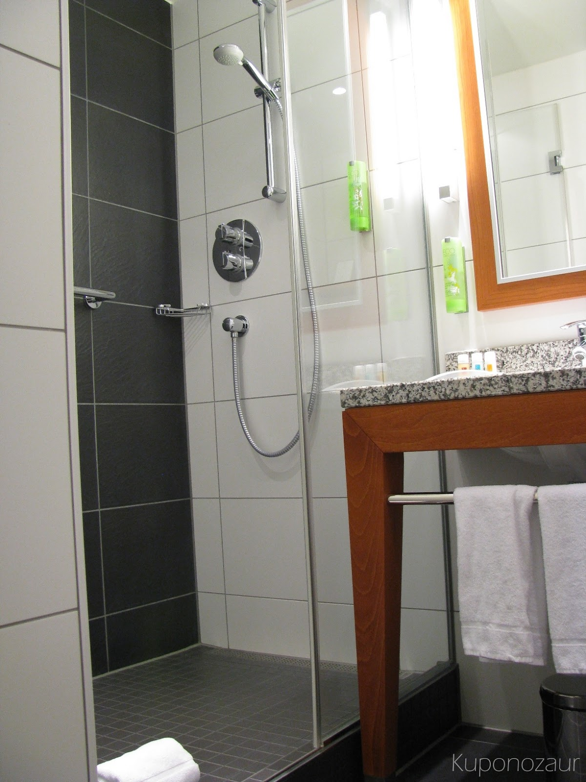 Holiday Inn Berlin Centre Alexanderplatz prysznic