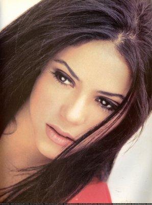 Lips Wallpaper Hd Shakira Shakira Dark Hair
