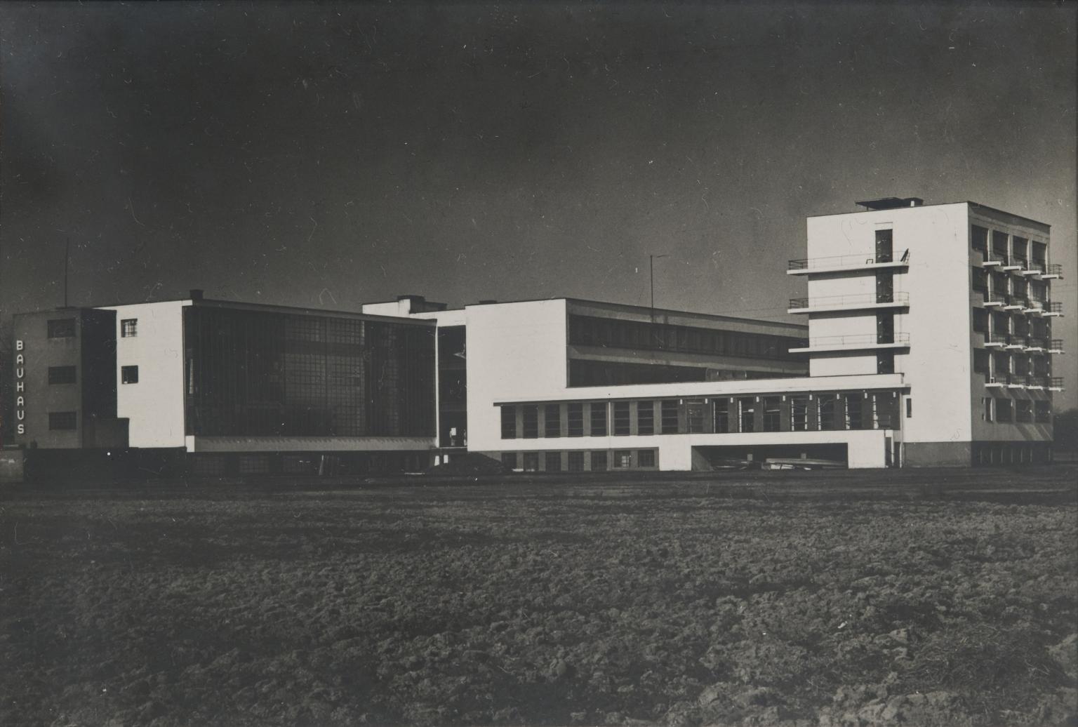 Tocho t8 lucia shulz moholy 1894 1989 bauhaus o a la for Bauhaus haus