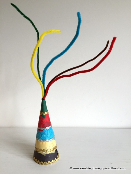 Secure the pipe cleaners to make the Table Decoration
