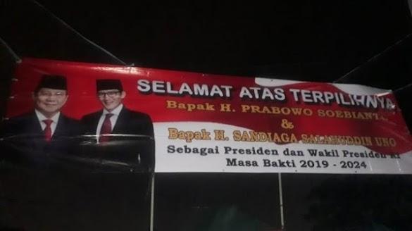 Baliho Prabowo Jadi Presiden Terpampang di Menteng Jakarta Pusat