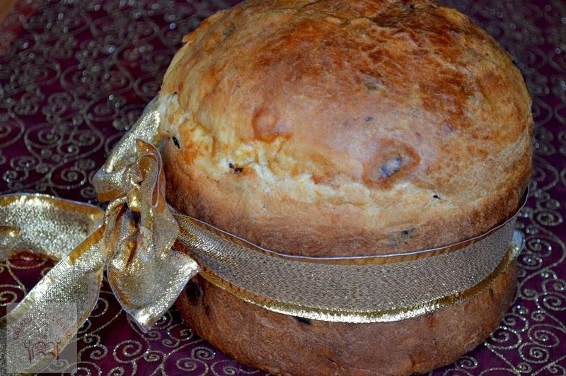http://www.caietulcuretete.com/2013/12/panettone-varianta-rapida.html