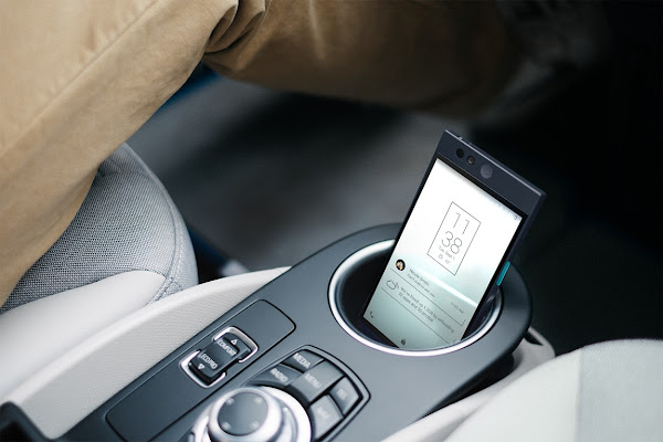 放在黑色的車上看起來也很搭,數位時代翻攝自 Nextbit 官網。