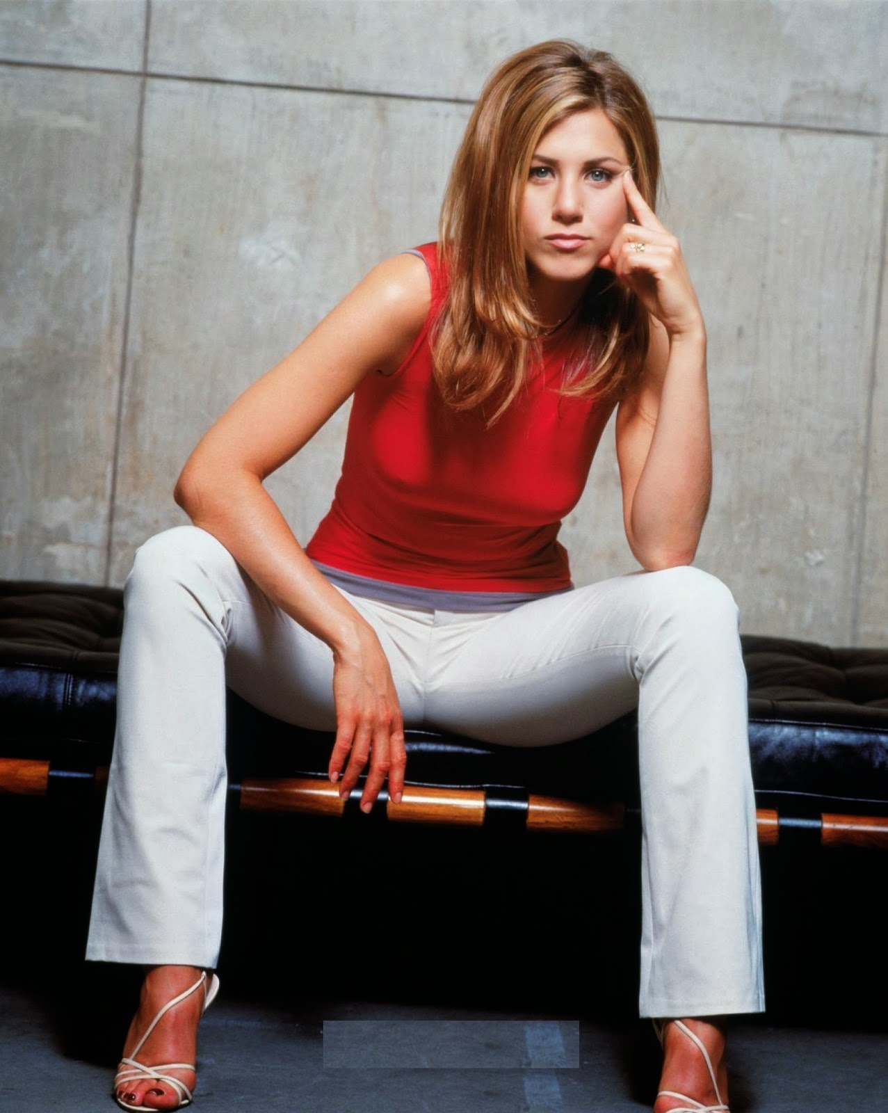 Dyanmic Wallpapers Jennifer Aniston Hot Images -6053