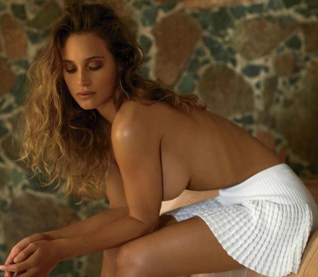 Hannah Davis en topless