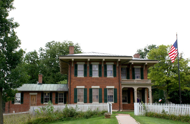 The historic Ulysses S. Grant home in Galena, IL is built in the Italianate style.