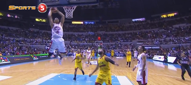 Japeth Aguilar With The Manila Classico Throwdown! (VIDEO)