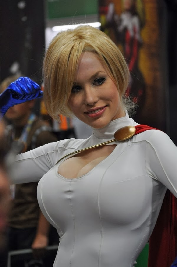 Especial Galeria Cosplay: Power Girl (DC Comics)