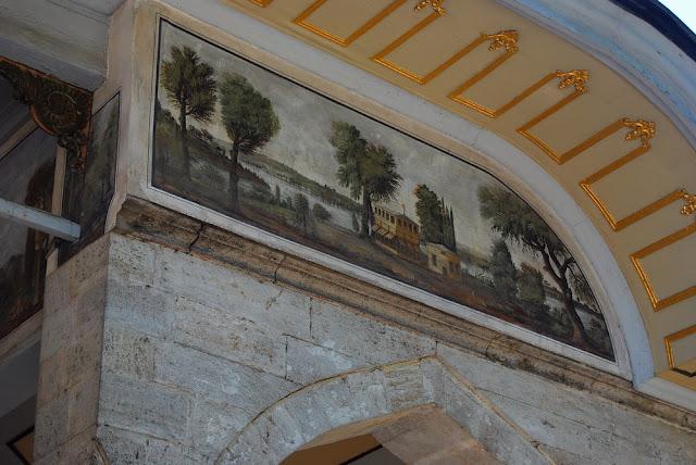 détail de la porte de Félicité, qui conduisait à la troisième cour, là où commencent les appartements privés du sultan