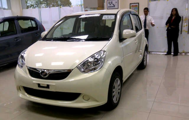 ViVa La RaSa: Myvi 2011 close up