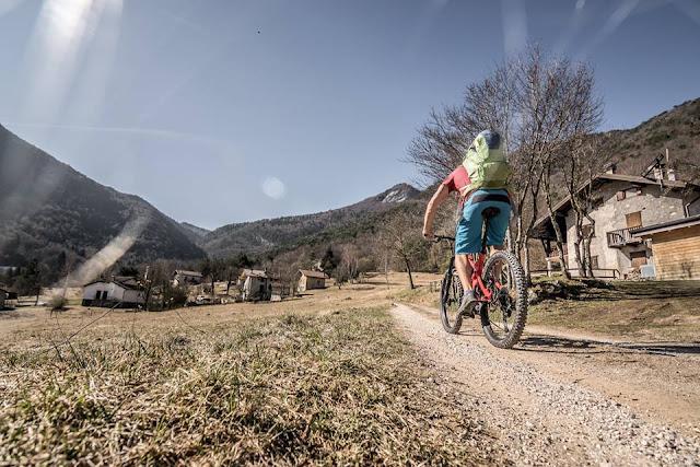 E-Bike Monte Carone 1621 m.ü.A. und Prati di Guil 1322 m.ü.A. Mountainbike Tour Gardasee