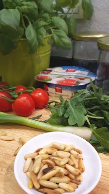 Salat im Glas - Rezept für italienischen Nudelsalat
