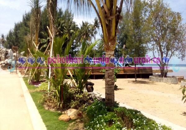 foto pantai di hotel java paradise karimunjawa