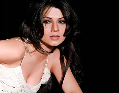 hd photos of Kainaat Arora for desktops and mobile wallpapers. Beautiful looking Bollywood Actress Kainaat Arora HD Wallpapers images