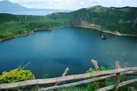 ทะเลสาบตาอัล (Taal Lake) @ www.grayline.com