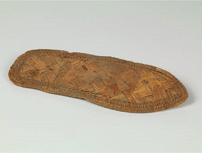 02d67cf385f1d La base « est composée selon les modèles d au moins une semelle (par  exemple les mocassins) ou bien – selon l exemple typique des chaussures  basses en cuir ...