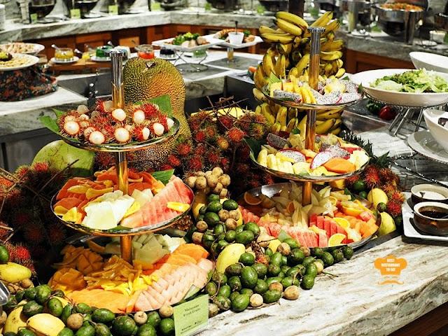 Fresh Fruit Selection Juadah Kampung Buffet Dinner Kontiki Restaurant The Federal Hotels Kuala Lumpur