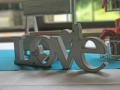 LOVE Hochzeitsmotto Flug der Kraniche, 1000 Origami-Kraniche zur Hochzeit, heiraten im Riessersee Hotel Garmisch-Partenkirchen, Bayern, Hochzeitsplanerin Uschi Glas, petrol und weiß
