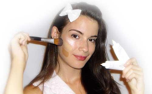 Como elegir y aplicar tu base de maquillaje para un look impecable todo el dia