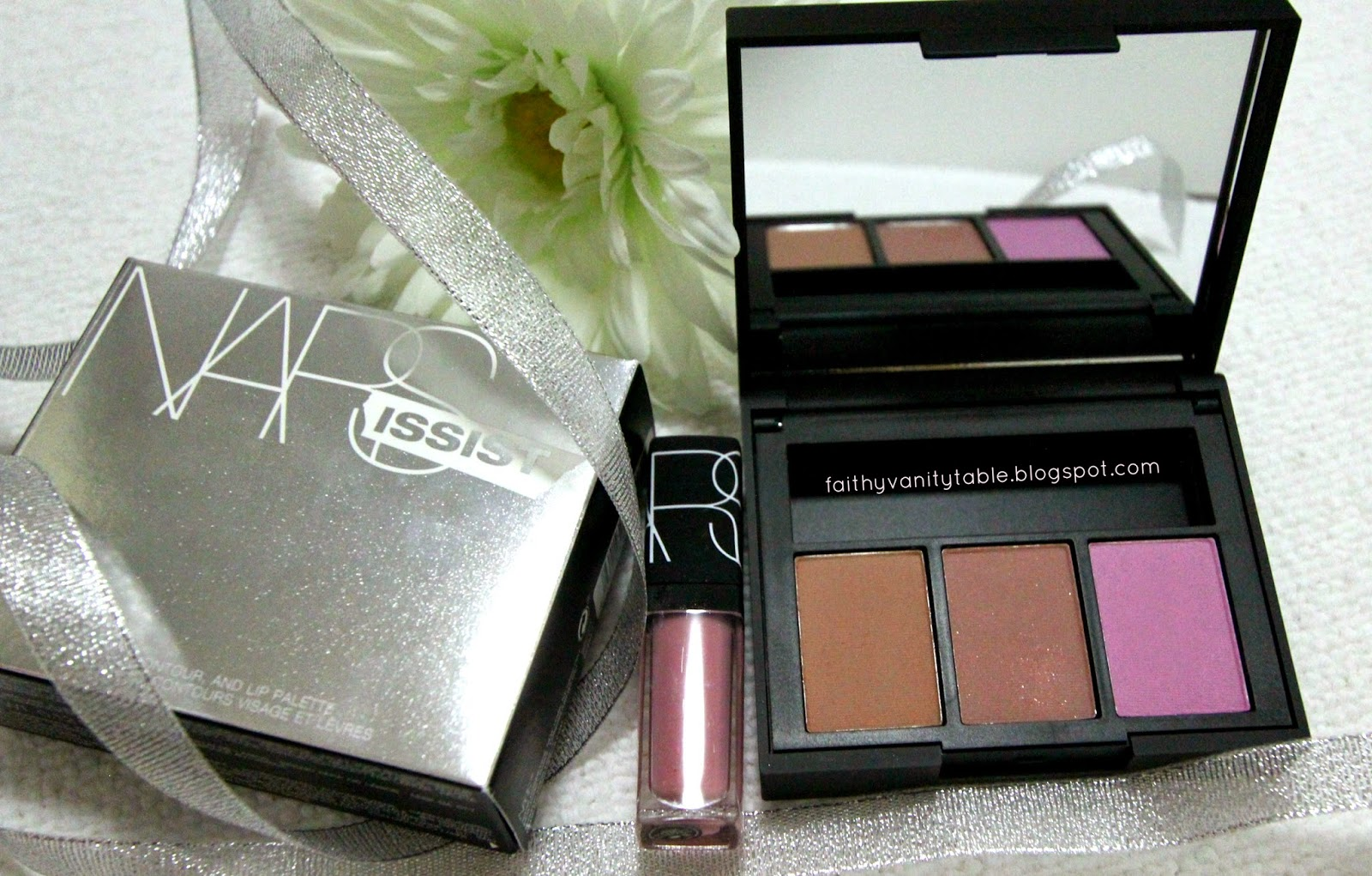Review of NARS blush, contour and lip palette
