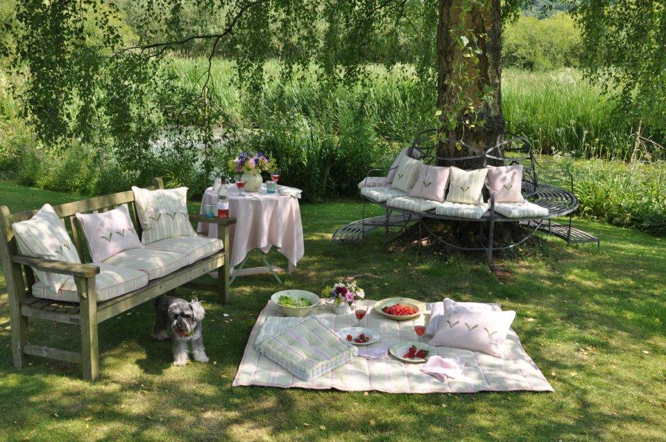 Hydrangea Hill Cottage garden seating