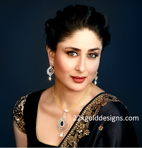 Kareena Kapoor in Malabar Diamond Pendant set