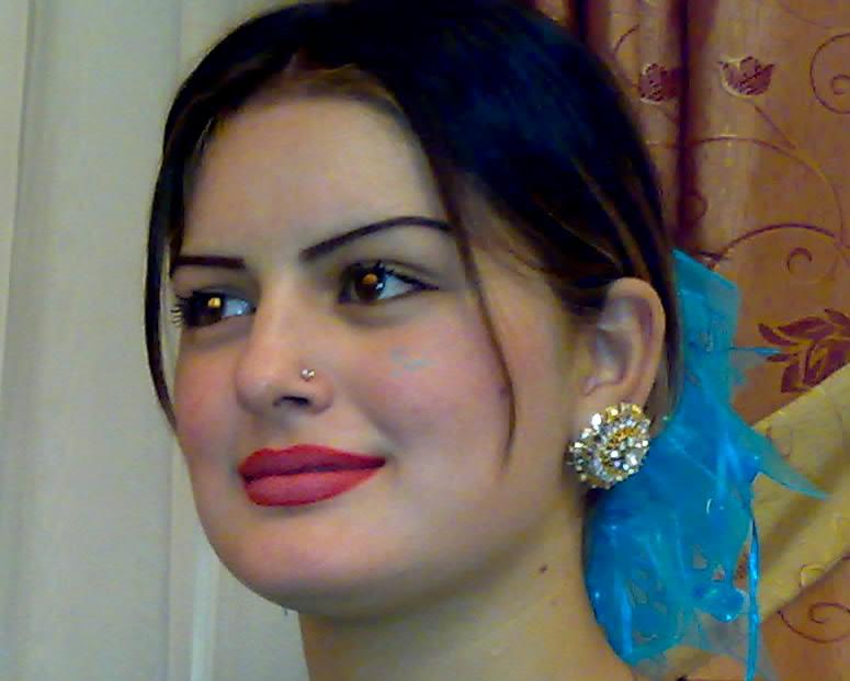 Pashto Film Drama Actress And Singer Ghazala Javed Photos -8213