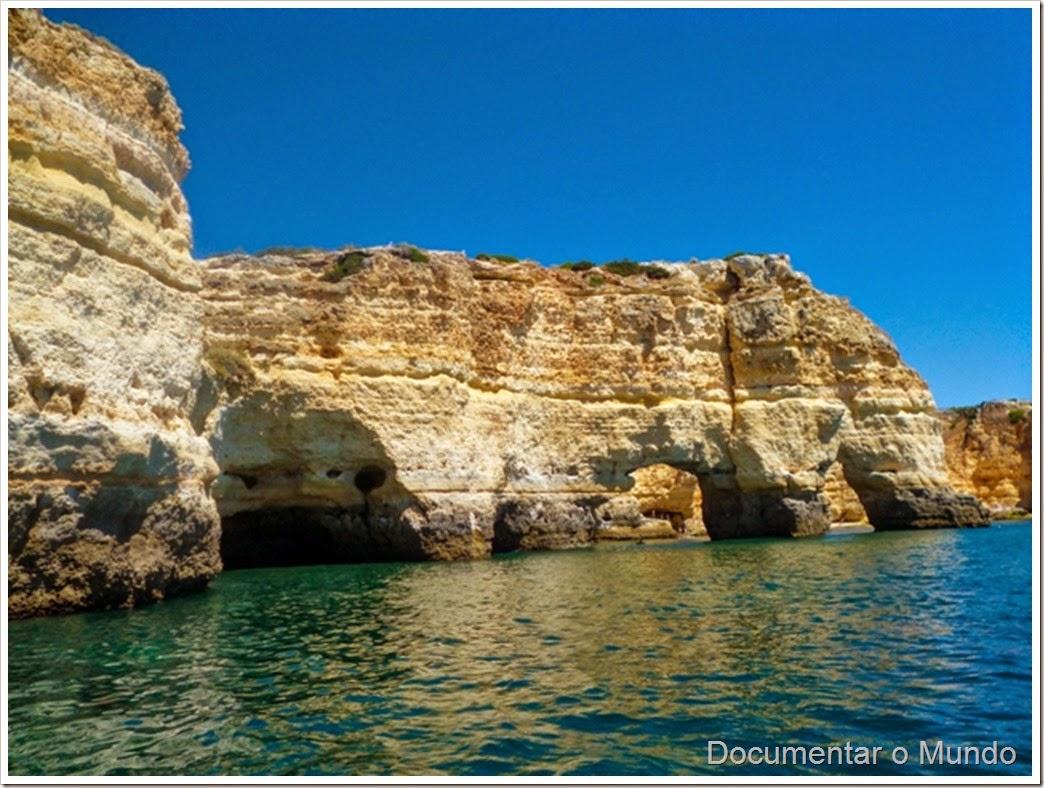 Arcos Praia da Marinha-Elefante;  Praias Algarve; Férias Algarve; Grutas Marinhas no Algarve; Sea Caves Algarve; Grotten Fahrt Algarve