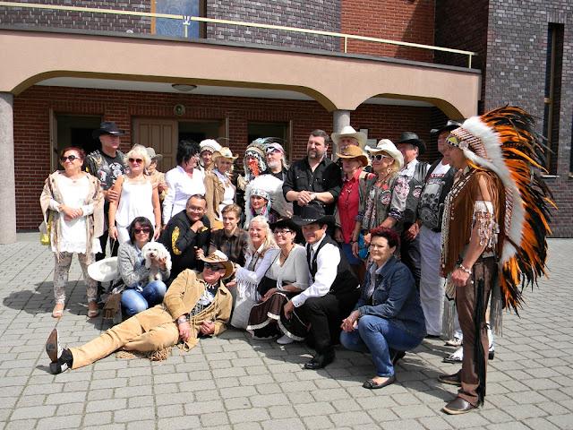 festiwal country w Wolsztynie był okazję do wielu spotkań i pamiątkowych fotografii