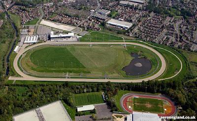 Wolverhampton, racecourse