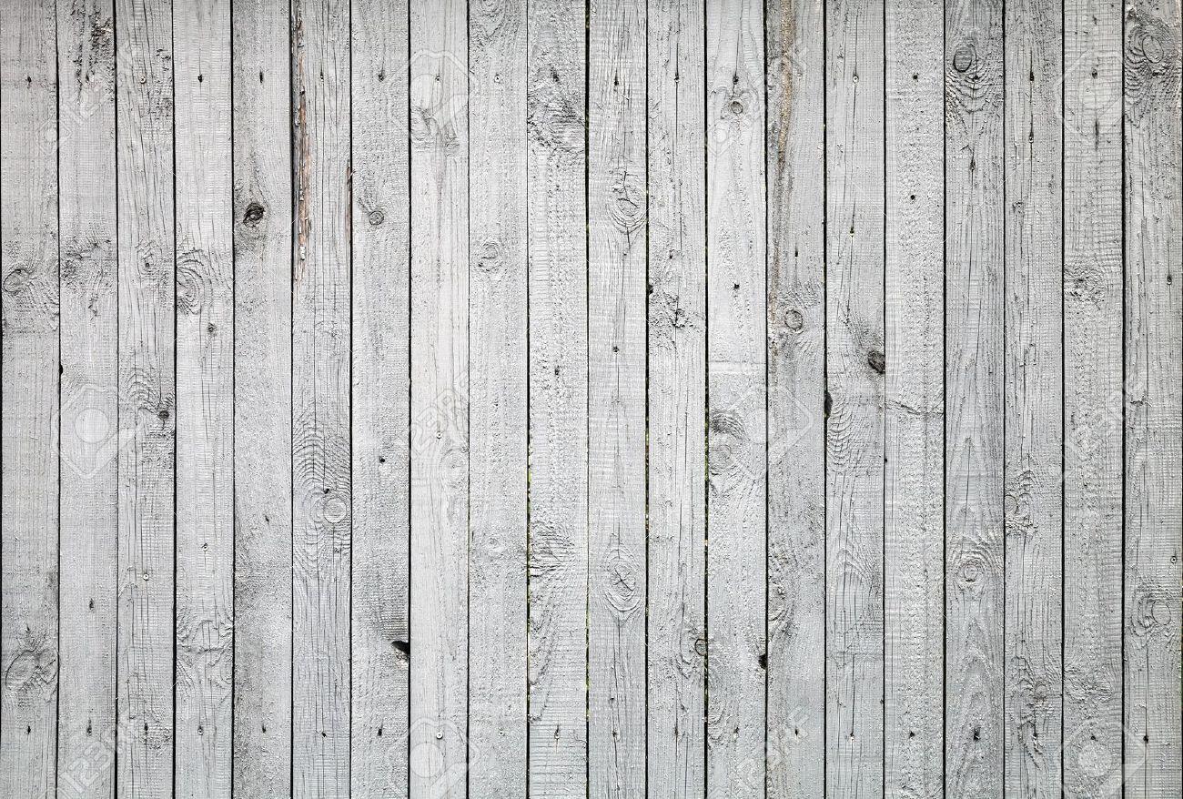 Legno verniciato pericoloso e da smaltire in discarica - Tavole di legno per edilizia ...