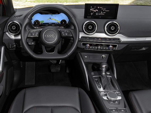 Audi Q2 2017 - interior