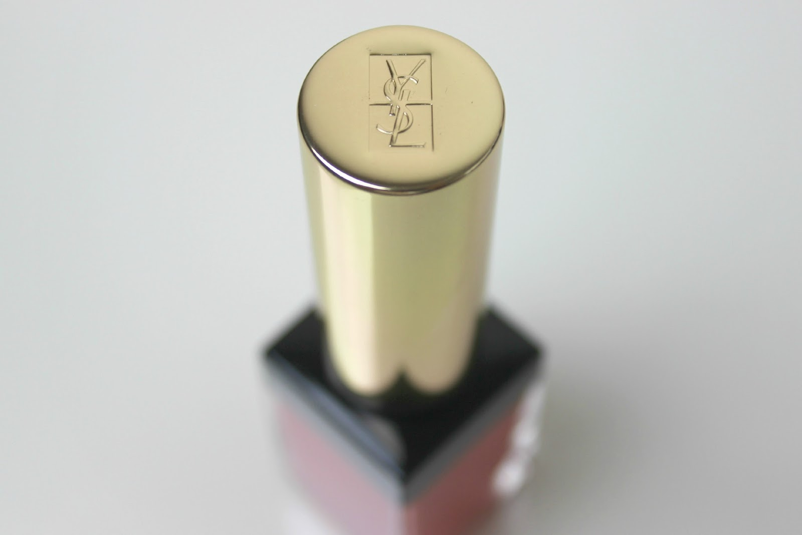 A picture of YSL Babydoll Kiss & Blush 05 Rouge Effrontée