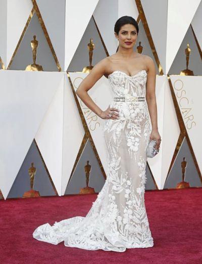 Oscars 2016: Stars Sparkle on the Academy Awards Red Carpet