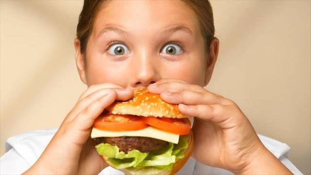 Comer mucha grasa es más nocivo para hombres que para mujeres