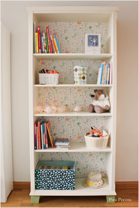 Recicla una estanter a de ikea con chalk paint y papel - Mueble libreria ikea ...