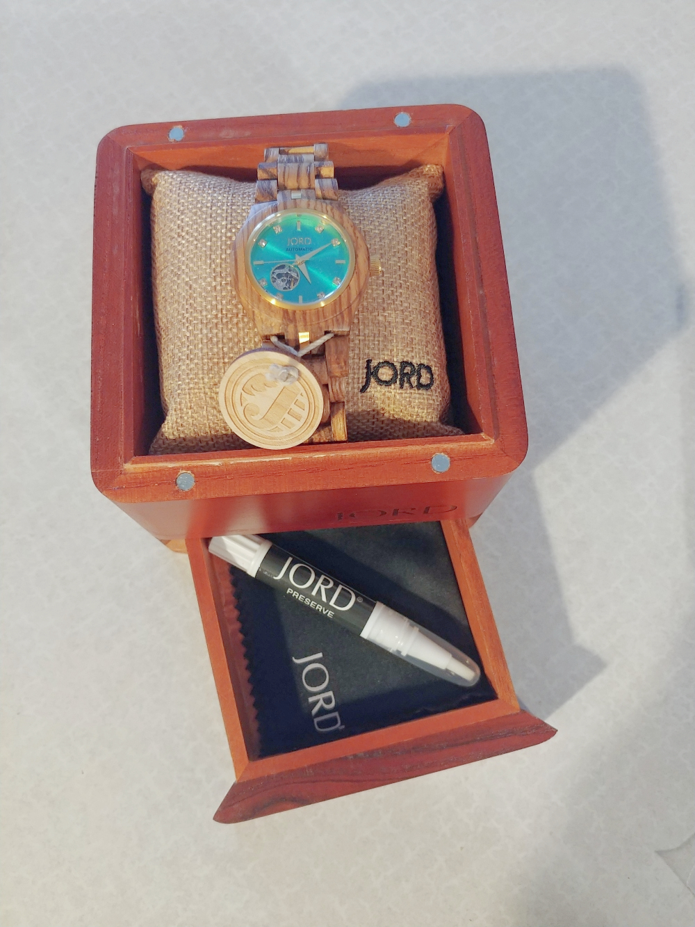 Jord watch in humidor box