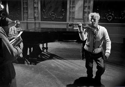 """Чарли Чаплин и Бастер Китон на репетиции """"Огней рампы"""" 3"""