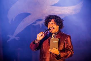 Ator e dramaturgo Daniel Arcades apresenta Impopstor em Alagoinhas