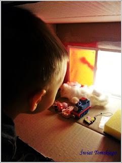 Świąteczne pudło sensoryczne