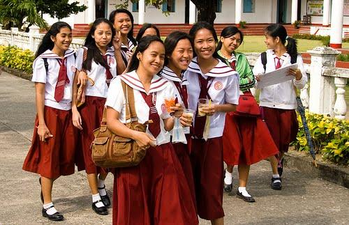 Uniform Budak Sekolah Perempuan | Waktu Solat Dot Net