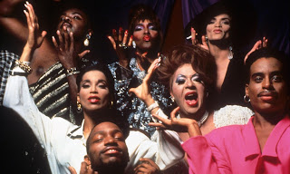 "Cena do filme ""Paris is Burning"""