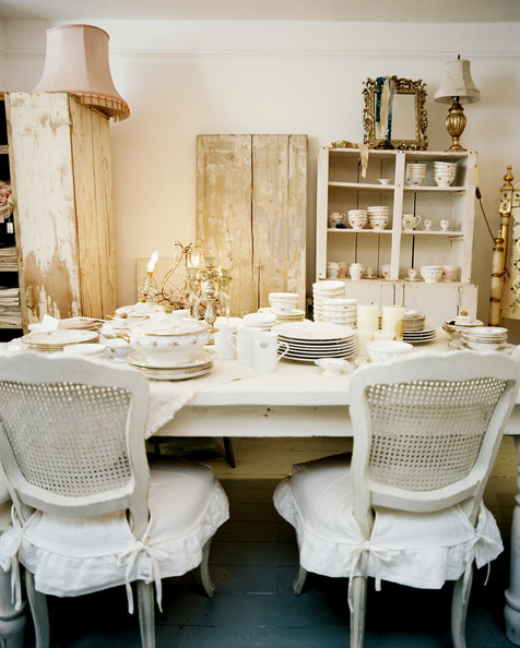 shabby chic dining room furniture | Shabby Chic Decor {1} ~ Crafts and Decor