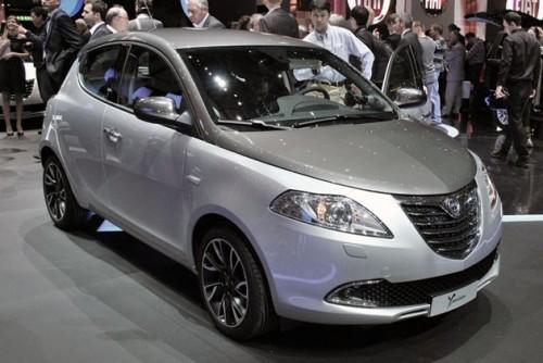 Luxury Car Chrysler Ypsilon 2012