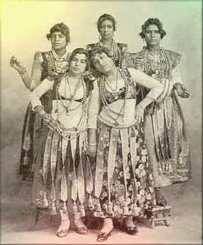 evolucion de la danza oriental. Disociando infinitos